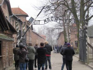 auschwitz main gate 2016
