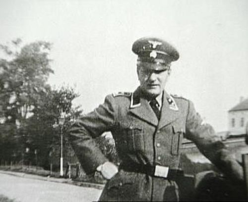 Menten-In-SS-Uniform
