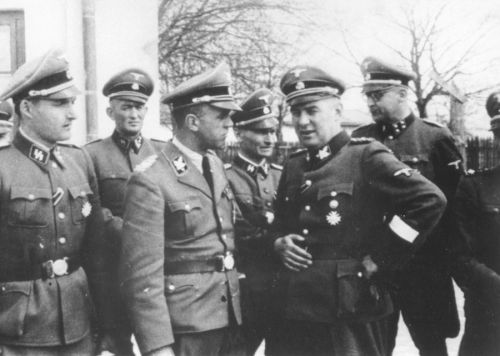 SS-officers-tour-Trawniki-SS-training-camp-19July42