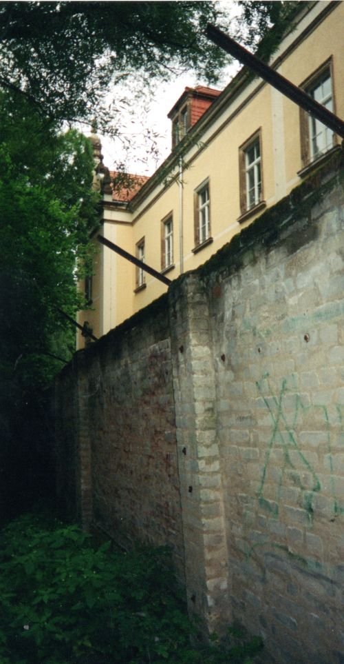pirna outside wall700