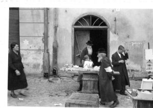 tarnow ghetto- market place 571